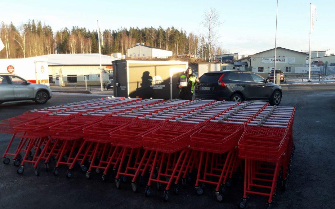 Leverans av röd kundvagn